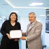Prof. Dr. Hüsniye Kayalar – Ege Üniversitesi Farmakognozi Anabilim Dalı Öğretim Üyesi